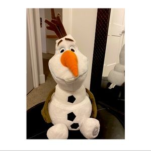 Authentic Disney Store Olaf Plushie! New Condition
